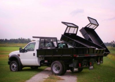 35. 9' Cadet Dump Bed With Harsh Hoist